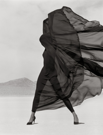 1 herb-ritts-versace-veiled-dress-el-mirage-1990